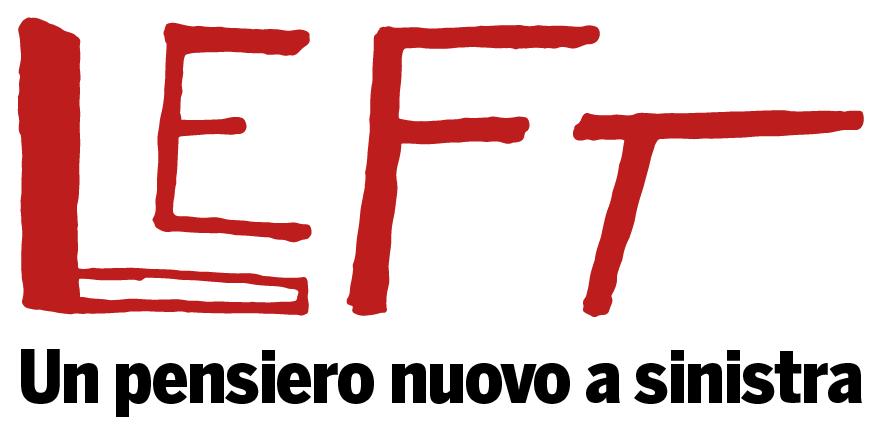 epa05267915 US Democratic presidential candidate Hillary Clinton (C) addresses her supporters during a primary night event at a hotel in New York, New York, USA, 19 April 2016. According to media reports, Clinton is the projected winner of the New York State presidential primary.  EPA/JUSTIN LANE